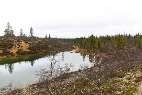 Urho Kekkosen kansallispuisto sijaitsee Savukosken, Inarin ja Sodankylän kuntien alueella.