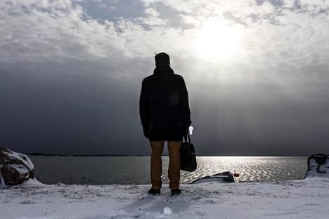 Puolisottomuus on yleistynyt perheen perustamisässä olevilla kolmekymppisillä. 30–34-vuotiaista Suomessa syntyneistä miehistä 42 prosenttia on puolisottomia.