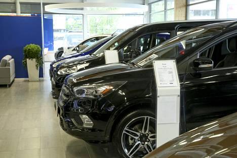 Hintaerojen takia suomalainen ostaa pienemmän auton kuin ruotsalainen.