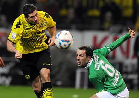 Borussia Dortmundissa pelaa muun muassa puolalainen Robert Lewandowski (vas.).