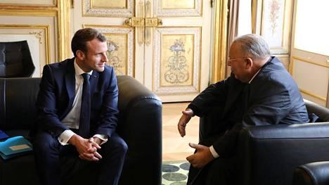 Presidentti Emanuel Macron on olut vuoropuhelussa Ranskan muslimineuvoston puheenjohtajan Dalil Boubakeurin kanssa myös uusimman veriteon jälkeen. Kuva viime lokakuulta.