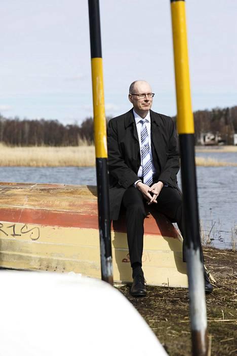 Vaalijohtaja Arto Jääskeläinen on yhä tyytyväinen siihen, että vaalit päätettiin siirtää.