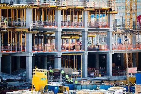 Rakennusteollisuus oli yksi Suomen taloutta viime vuonna kasvattaneista sektoreista.