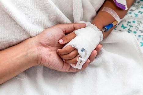 Syöpäsairaiden lasten tutkimus- ja tukisäätiö Sylva julkaisi raportin, jossa eri alojen asiantuntijat pohtivat syitä kuolleisuuseroihin.