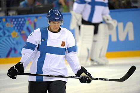 Aleksander Barkov terveys puhuttaa.