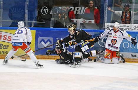 Kärpät on Suomen suosituin seura. Vastustaja Tappara sijoittui tutkimuksessa kolmannelle sijalle.