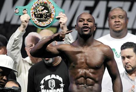 Floyd Mayweather on WBA- ja WBC-liittojen mestari.
