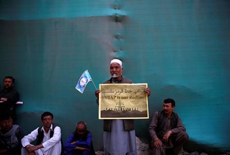 Afganistanin etniseen vähemmistöön kuuluvat hazarat osoittivat mieltään Kabulissa.
