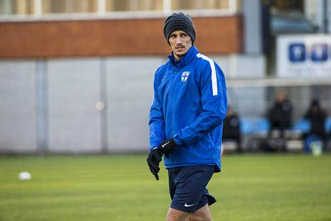 Roman Eremenko maajoukkueen harjoituksissa lokakuussa 2016. Kolme päivää myöhemmin Uefan kurinpitovaliokunta asetti Eremenkon pelikieltoon. Syyksi selvisi myöhemmin kokaiini.