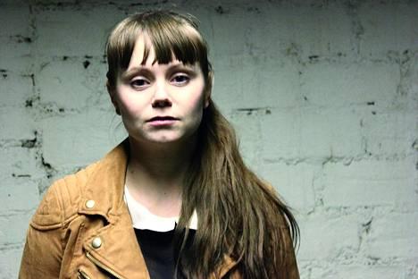 M eli Minja Koski tunnetaan erityisesti Tehtaantyttö-nimisestä albumistaan.