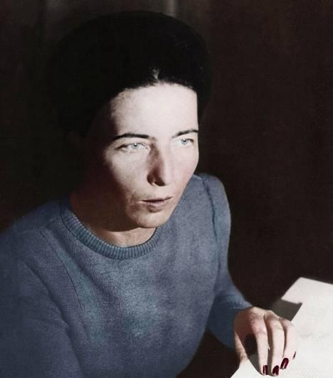 Simone de Beauvoir marraskuussa 1945.