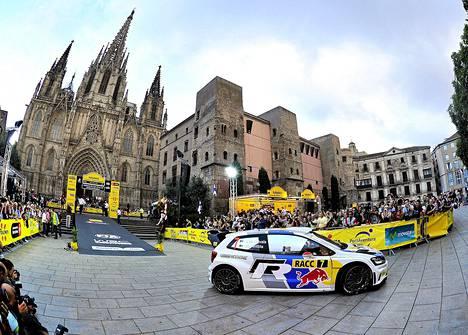 Katalonian ralli alkoi perjantaina keskeltä Barcelonaa.