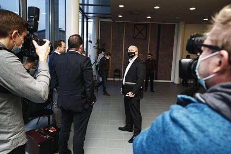 Tero Holopainen oli paikalla United Brotherhood -jengin lakkauttamisasiaa koskevassa oikeudenkäynnissä Itä-Uudenmaan käräjäoikeudessa Porvoossa maanantaina.