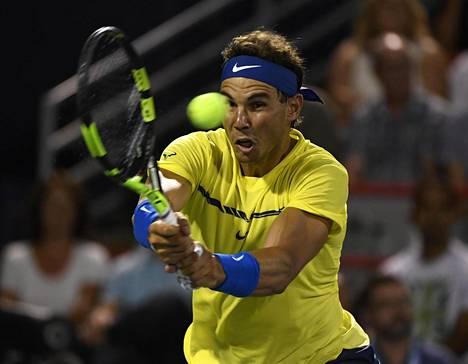 Espanjan Rafael Nadal saa melkeinpä lahjaksi tenniksen maailmanlistan ykköspaikan.