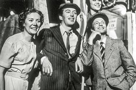 Elsie (Christina Frambäck), Anders (Thommy Berggren) ja Sixten (Ingvar Hirdwall) ovat nuoria Ruotsin Malmössä 1930-luvulla.