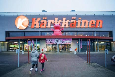 Yksi J. Kärkkäinen oy:n tavarataloista sijaitsee Lahdessa.