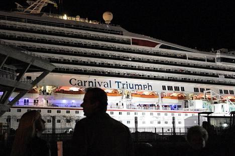 Carnival Triumph -alus rantautui 14. helmikuuta Alabamaan ajelehdittuaan yli viikon ilman sähköä Atlantilla