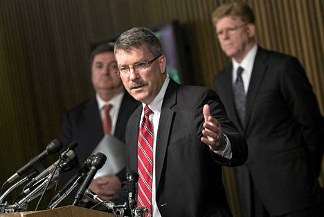 FBI:n Ronald Hosko kertoi pidätyksistä maanantaina tiedotustilaisuudessa Washingtonissa.