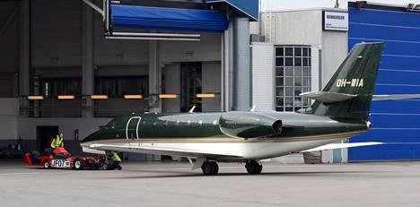 Cessna C680 Sovereign kuljetti Kalevat Suomeen perjantaina.