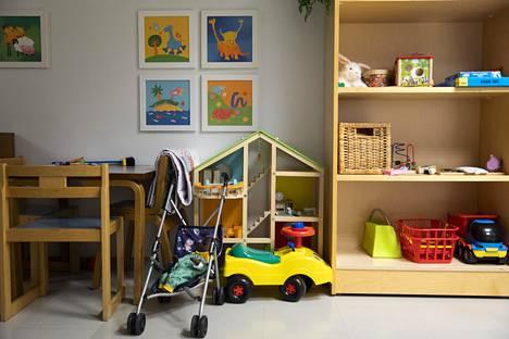 Poliisi tutkii vauvan pahoinpitelyä Itä-Helsingissä. HS:n tiedon mukaan vauva olisi ollut ennen rikosepäilyä lastensuojelun asiakas.