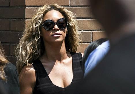 Pop-tähti Beyoncé Knowles ei vähästä säikähtänyt Montrealin-keikallaan.