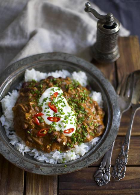 Amerikkalainen, tummanpuhuva chili on erinomainen illallisruoka vaikkapa Halloween-illanistujaisiin.