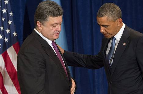 Yhdysvaltojen presidentti Barack Obama (oik.) tapasi keskiviikkona Puolassa Ukrainan presidentinvaalit voittaneen Petro Porošenkon.