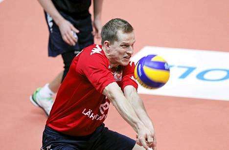 Iskun kapteeni Tuomas Tihinen oli ottelun paras pistemies tehoilla 23/+7. Kuva marraskuulta 2013.