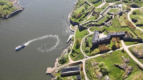 Suomenlinna on paitsi turistikohde myös asuinalue.