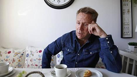 Olli Lindholm 50-vuotissyntymäpäivän kuvauksessa Tampereella 2014.