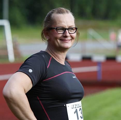 Vera Räsänen kilpaili keskiviikkona Virroilla Tähtikisoissa. Seuraavaa kisaa hän ei vielä tiedä. Hän loukkasi kilpailussa alaselkänsä.