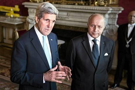 Yhdysvaltain ulkoministeri John Kerry ja Ranskan ulkoministeri Laurent Fabius tapasivat Pariisissa torstaina.