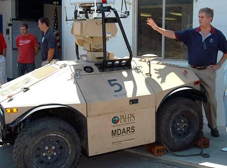 Robottiaseet on yleensä suunniteltu jäljittämään ja tuhoamaan tutkia, laivoja, sukellusveneitä ja ilma-aluksia.
