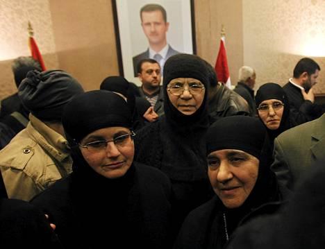 Jabhat al-Nusra -järjestö vapautti maanantaina 13 sieppaamaansa nunnaa.