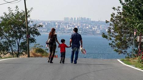Maailma on täynnä surullisia pakolaistarinoita, ja Leilan ja Sahandin rakkauskertomus on niistä yksi.