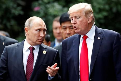 Yhdysvaltain presidentti Donald Trump ja Venäjän presidentti Vladimir Putin tapasivat Vietnamissa Aasian ja Tyynenmeren maiden talousjärjestön Apecin kokouksessa lauantaina.