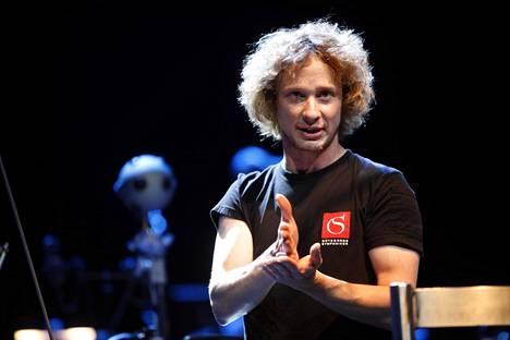 Santtu-Matias Rouvali on Göteborgin sinfoniaorkesterin ja Tampere Filharmonian ylikapellimestari ja lontoolaisen Philharmonia Orchestran seuraava ylikapellimestari.