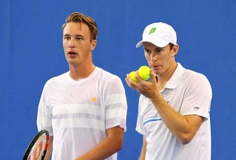 Henri Kontinen (vas.) ja John Peers pelaavat Australian avoimissa nelinpeliparina.