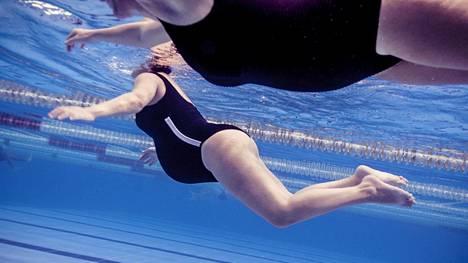 Uintia voi hyvin harrastaa raskauden aikana. Aloittelevan liikkujan kannattaa lisätä liikuntaa vähitellen ja oma kuntonsa huomioiden.