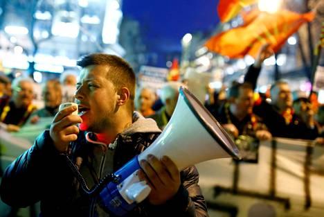 Makedonialaiset osoittivat viime torstaina mieltään Skopjessa sitä vastaan, että albaniankieli saisi laajemman virallisen aseman Makedoniassa.