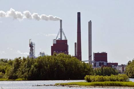 Stora Enson paperitehdas Oulussa kuvattiin kesällä 2018.