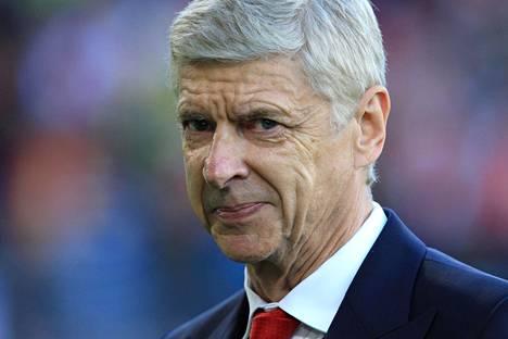 Arsene Wenger ryhtyy jalkallopomoksi Fifaan.