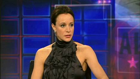 Paula Broaadwell Jon Stewartin tv-ohjelmassa tammikuusa.