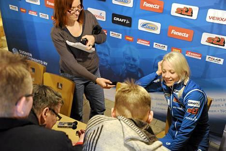 Kaisa Mäkäräinen oli maanantaiaamuna suomalaistoimittajien tentissä.