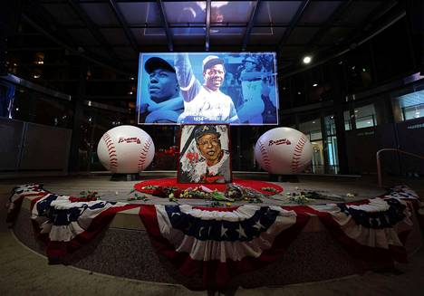 The memory of Hank Aaron has been honored both in Atlanta and elsewhere in the United States.