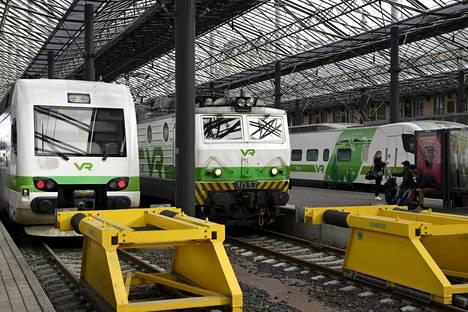 VR kilpailutti junien siivouksen, eikä vaihto ole sujunut ongelmitta.