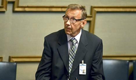 Oikeuskansleri Jaakko Jonkka painottaa, että hänellä ei ole mahdollisuutta estää hallitusta lähettämästä lakiesitystä eduskuntaan.