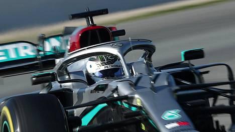 Valtteri Bottas ajoi viikon nopeimman testikierroksen.