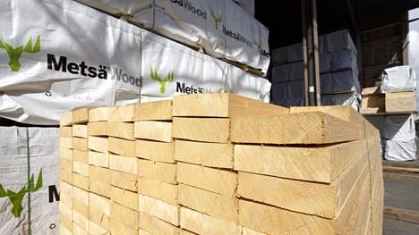 Markkinasellun hinnannousu iskee PTT:n mukaan sitä käyttävien paperintuottajien jo ennestään heikkoon kannattavuuteen ja asettaa nostopaineita paperien toimitushintoihin.