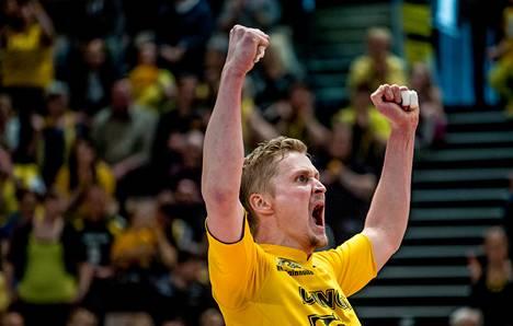 Hurrikaani-Loimaan hakkuri Ismo Moilanen pelasi koko ottelun ja kuului joukkueensa parhaimmistoon sunnuntaina Salossa.